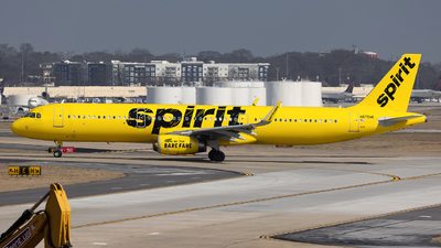 A picture of N675NK - Airbus A321231 - Spirit Airlines - © JinZi