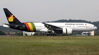 A picture of 9MMRQ - Boeing 7772H6(ER) - [28422] - © deezzullens