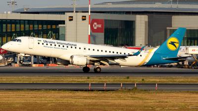 UR-EMD - Embraer 190-100LR - Ukraine International Airlines