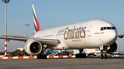 A6-EMM - Boeing 777-31H - Emirates