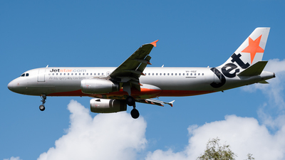 A picture of VHVQZ - Airbus A320232 - Jetstar Airways - © Christian Hartan