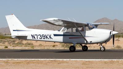 A picture of N739KK - Cessna 172N Skyhawk - [17270602] - © Felipe Garcia