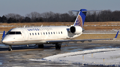 N465AW - Bombardier CRJ-200LR - United Express (Air Wisconsin)