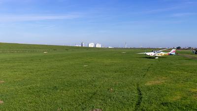 EDWT - Airport - Runway