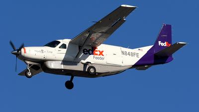 A picture of N848FE - Cessna 208B Super Cargomaster - FedEx - © JC