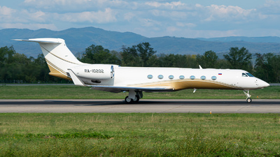 A picture of RA10202 - Gulfstream G550 - UTair - © Stefan Gschwind