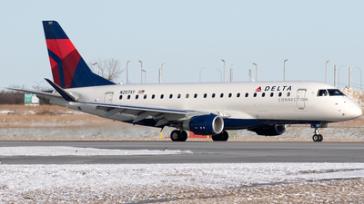 A picture of N257SY - Embraer E175LR - Delta Air Lines - © Mike MacKinnon