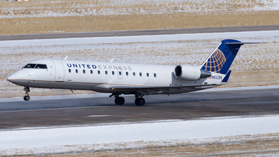 A picture of N652BR - Mitsubishi CRJ200LR - United Airlines - © Yixin Chen