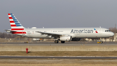 A picture of N582UW - Airbus A321231 - American Airlines - © Jeremy D. Dando