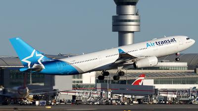 A picture of CGUBT - Airbus A330243 - Air Transat - © Tianyi Liu
