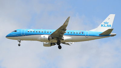 A picture of PHEXJ - Embraer E175STD - KLM - © Andreas Ranner