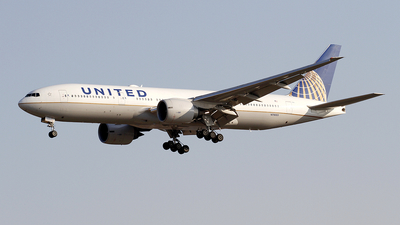 N78003 - Boeing 777-224(ER) - United Airlines
