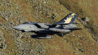 ZA548 - Panavia Tornado GR.4 - United Kingdom - Royal Air Force (RAF)
