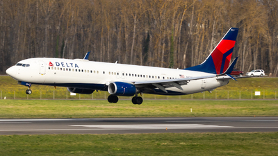 A picture of N874DN - Boeing 737932(ER) - Delta Air Lines - © Sean Asay