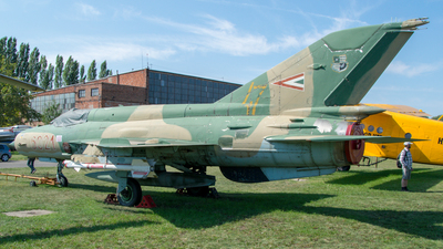 6021 - Mikoyan-Gurevich MiG-21bis Fishbed L - Hungary - Air Force
