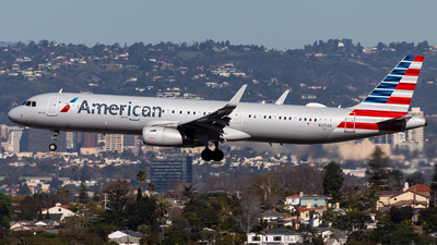 N125AA - Airbus A321-231 - American Airlines