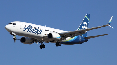 N562AS - Boeing 737-890 - Alaska Airlines