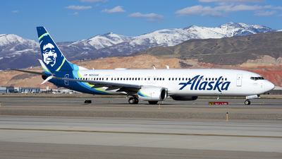A picture of N253AK - Boeing 737990(ER) - Alaska Airlines - © Michael Rodeback