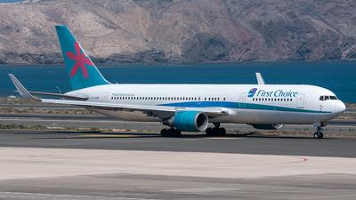 G-OOBM - Boeing 767-324(ER) - Thomson Airways