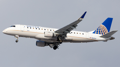 A picture of N107SY - Embraer E175LR - United Airlines - © Martin Pinnau