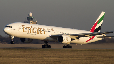 A6-EMT - Boeing 777-31H - Emirates