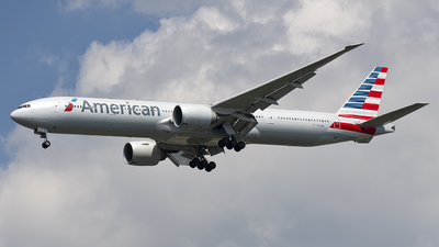 A picture of N719AN - Boeing 777323(ER) - American Airlines - © Mark Szemberski