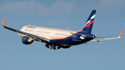 VP-BTH - Airbus A321-211 - Aeroflot