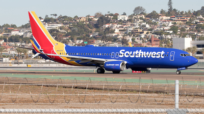 A picture of N8307K - Boeing 7378H4 - Southwest Airlines - © Yixin Chen