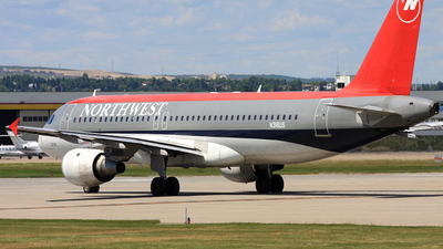 N318US - Airbus A320-211 - Northwest Airlines