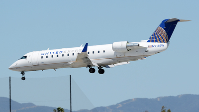 N913SW - Bombardier CRJ-200ER - United Express (SkyWest Airlines)