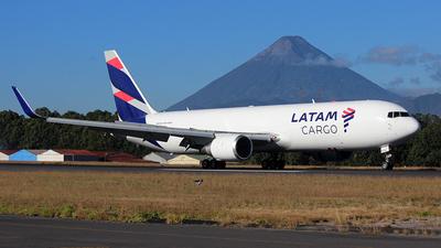 A picture of N534LA - Boeing 767316F(ER) - LATAM Cargo Chile - © Carlos Alberto Rubio Herrera