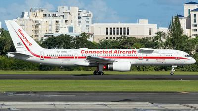 A picture of N757HW - Boeing 757225 - [22194] - © Juan Carlos Aponte