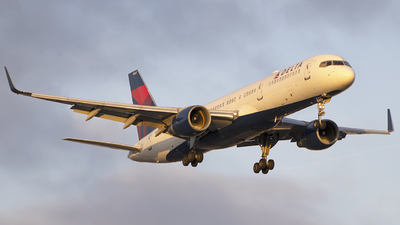 A picture of N543US - Boeing 757251 - Delta Air Lines - © Andrew Hutnyan