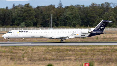 A picture of DACNL - Mitsubishi CRJ900LR - Lufthansa - © Julian S.