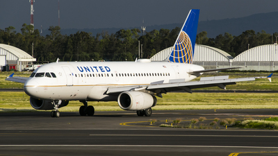 N843UA - Airbus A319-131 - United Airlines