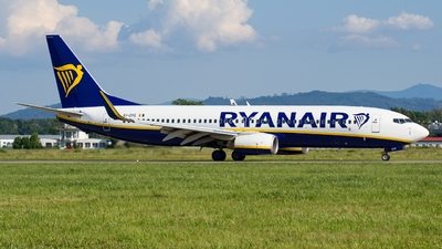 A picture of EIDYE - Boeing 7378AS - Ryanair - © Martin Bernict