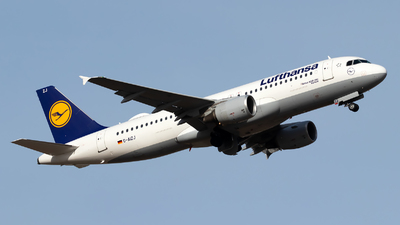 A picture of DAIZJ - Airbus A320214 - Lufthansa - © Julian Azeroth