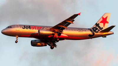 VH-VQB - Airbus A320-232 - Jetstar Airways