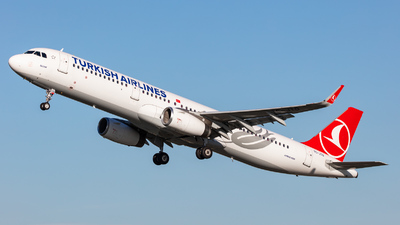 A picture of TCJTO - Airbus A321231 - Turkish Airlines - © kevin.hackert