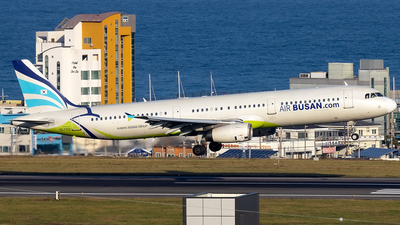 A picture of HL7713 - Airbus A321231 - Air Busan - © YoungKyun Shin