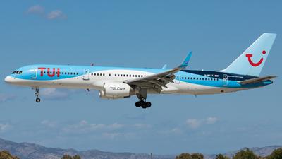 A picture of GBYAY - Boeing 757204 - [28836] - © Moritz Klöckner