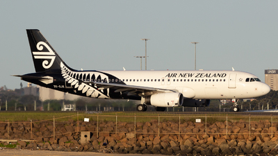 ZK-OJK - Airbus A320-232 - Air New Zealand