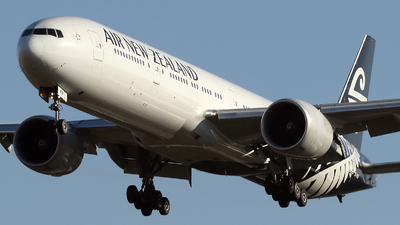 ZK-OKM - Boeing 777-319ER - Air New Zealand