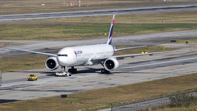 A picture of PTMUH - Boeing 77732W(ER) - LATAM Airlines - © Rafael Ferreira