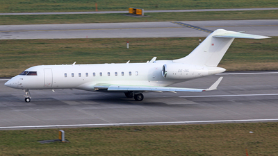 OE-INL - Bombardier BD-700-1A11 Global 5000 - Private