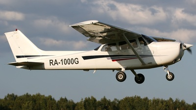 RA-1000G - Cessna 172S Skyhawk SP - Private