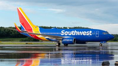 A picture of N499WN - Boeing 7377H4 - Southwest Airlines - © Evan Dougherty