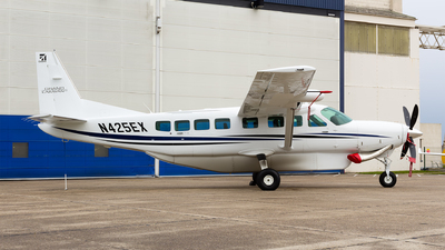N425EX - Cessna 208B Grand Caravan EX - Private