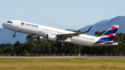PT-XPF - Airbus A321-211 - LATAM Airlines