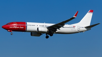 A picture of LNNGR - Boeing 7378JP - [41121] - © Simi